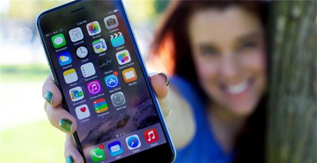 美国人每天玩手机时长4.7小时,移动购物比例高